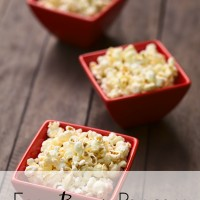 If you're looking for popcorn recipes, look no further. Cook your bacon in the oven and easily whip up this treat in your own kitchen. This is no vegetarian food, friends. AND, this bacon popcorn has a sweet twist that will take it over the edge!
